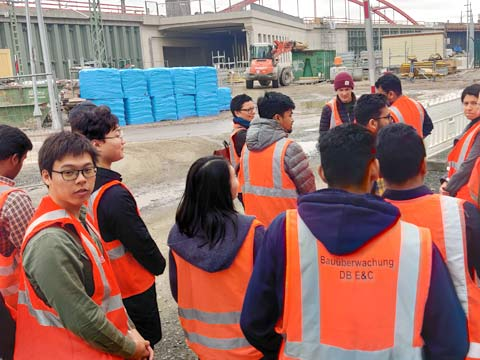 Logistics on tour: ISM students visit Airbus, Bahn & Co